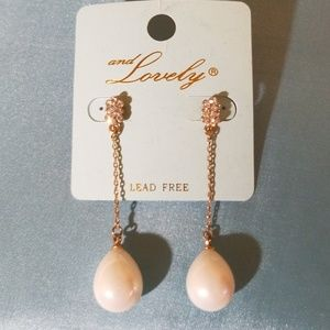 Jewelry - Drop pearl earrings